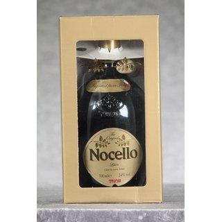 Toschi Nocello 0,7 ltr.